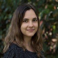 Dr. Nora  Tischler